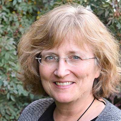 Leslie Watson headshot